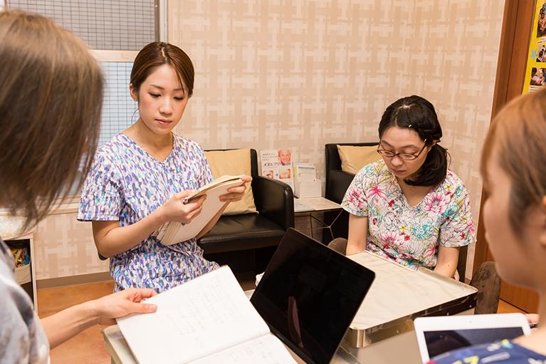 原田ファミリー歯科スタッフミーティング3