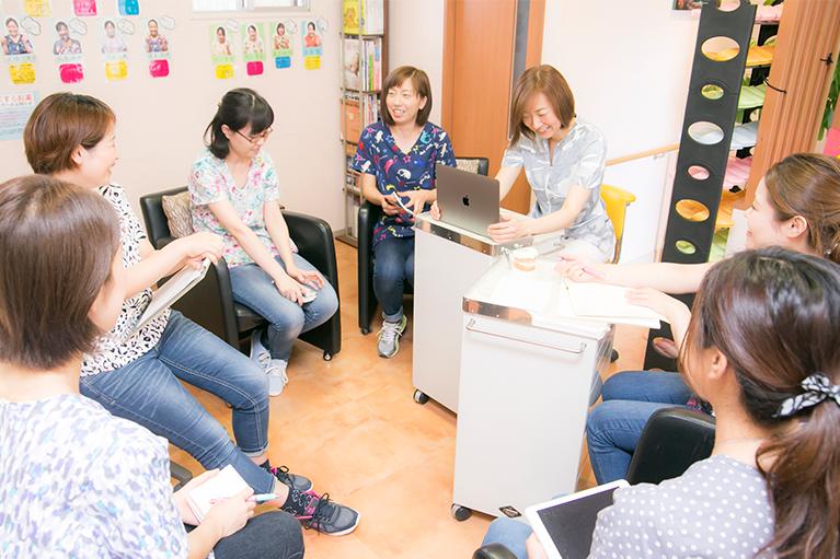 原田ファミリー歯科スタッフミーティング1